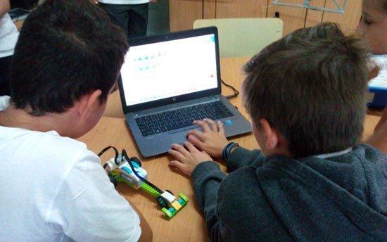 Μαθήματα ρομποτικής για τα παιδιά της Ε΄και Στ τάξης του Δημοτικού Πάφου Δ' –Κ. Περιβολιών