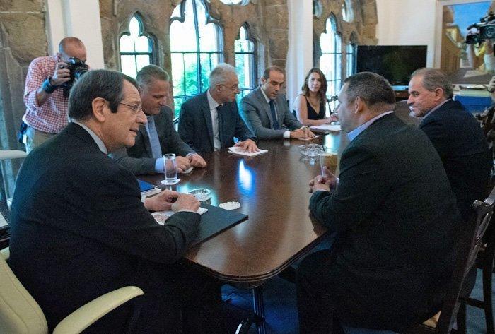 Ο Πρόεδρος της Δημοκρατίας δέχθηκε τους Προέδρους των Γονέων Δημοτικής και Μέσης