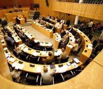 Η Βουλή ψήφισε νόμο για πρόληψη και αντιμετώπιση της ενδοσχολικής βίας και σχολικού εκφοβισμού