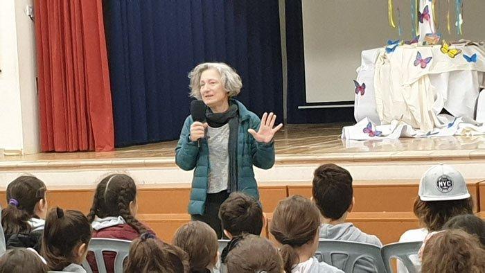 Η συγγραφέας  Μαρία Αγγελίδου στο Δημοτικό Δροσιάς Κ.Β' - Μιχαλάκης Παρίδης